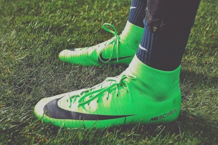scarpe da calcio adidas tacchetti di ferro